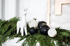 Great tips on how to keep Christmas greenery fresh for weeks! It will last for the entire season so don't be afraid of using fresh greenery! New Year's Eve Crafts, Fall Crafts, Home Crafts, Diy And Crafts, All Things Christmas, Christmas Bulbs, Christmas Crafts, Christmas Decorations, Holiday Decor