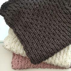 I 10 dage kan I afprøve denne dejlige model på en strikket klud. (UPDATE forlænget for ikke at skuffe nye følgere) Opskrift og design...