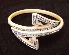 Art Deco Jewelry, Vintage Jewelry, Fine Jewelry, Jewelry Making, Jewellery, Bangle Bracelets, Bangles, Art Deco Period, Screw Back Earrings
