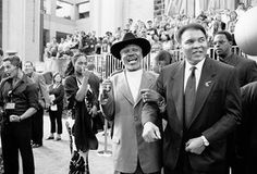 Frazier and Ali, who became good friends, pictured in California in 2002.