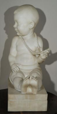 Bimba con collana non datata marmo h.63