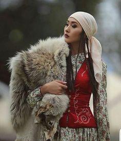 """Almıla; bir kız isminden öte yüce Türk milletinin ulu ülküsü """"Kızıl Elma'nın"""" adıdır. Fethettikçe kaçan hudutlar, yakaladıkça kaçan av gibi, parlak ve şanlı bir ülküdür."""