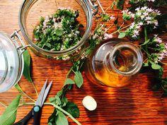 Domácnost   . . . 365 věcí, které si můžete udělat doma sami Samos, Diy And Crafts, Table Settings, Homemade, Ethnic Recipes, Posts, Syrup, Messages, Home Made