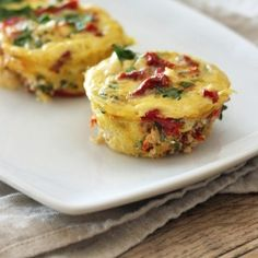 Mini Spinach and Feta Frittatas an easy make-ahead CLEAN-EATING breakfast.
