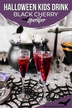 This Black Cherry Sparkler makes for the perfect Halloween Drink for kids! It's easy to serve up at a party with individual servings or a full Halloween punch bowl. Simple Halloween drinks that are non alcoholic are sometimes hard to find. This one is cute and delicious while being the perfect Halloween mocktail for kids! Get the simple recipe at PartiesWithACause.com #halloweendrinkkids #nonalcoholicdrink #mocktail Halloween Punch For Kids, Halloween Drinks Kids, Halloween Entertaining, Halloween Food For Party, Halloween Movies, Diy Halloween, Bachelorette Party Drinks, Birthday Party Drinks, Kid Drinks