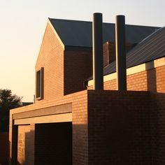 mathews and associates architects Courtyard House, Pretoria, Brick Walls, Residential Architecture, Open Up, Willis Tower, Contemporary, Modern, Barns