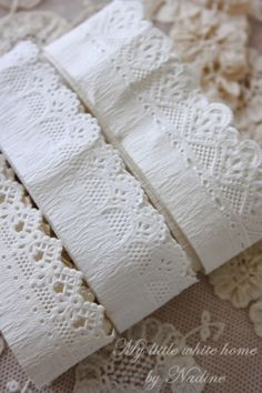 Have you ever put paper lace on the front edge of a kitchen or pantry shelf? Adorbs!