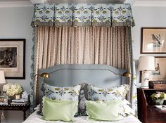 Manhattan apartment of Bunny Williams's protege, CeCe Thompson, via DiCorcia-Interior-Design January Note the bed. Home Bedroom, Master Bedroom, Bedroom Decor, Master Suite, Bedroom Ideas, Beautiful Bedrooms, Beautiful Interiors, Modern Interiors, Beautiful Gardens