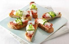 Mini-pizzabaguette van ciabatta met courgette en salami - Lekker van bij ons !