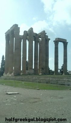 What a ruin! Temple of Zeus, Athens. Capital City, Brooklyn Bridge, Athens, Temple, Greece, Places To Go, World, Blog, Travel