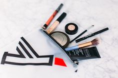 What's In My Bag? Travel Makeup Essentials