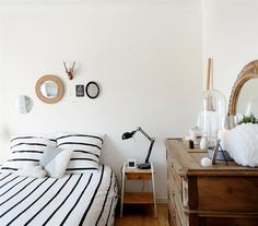 Vintage and modern | Add warmth to a monochrome room with old wooden pieces | Marlène's apartment, France