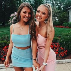 Women's Clothes Near Me Women's Clothing Stores Perth. Women's Clothes Near Me Besties, Bestfriends, Street Style Outfits, Best Friend Pictures, Friend Pics, Bff Pics, Hoco Dresses, Prom Pictures, Prom Pics