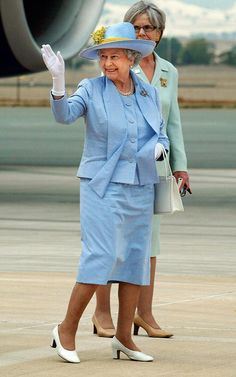 The Queen 2006 Queen Elizabeth II waves to wellwishers as she leaves Canberra after a five day visit in 2006.