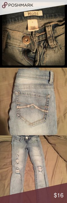 Super skinny Mudd jeans Selling my super skinny Mudd brand jeans. Size 0 distressed and in really good condition. Mudd Jeans Skinny