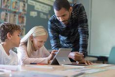 Microsoft lanserar dikteringstjänst på svenska - Pressrum Surface Book, Office 365, Microsoft, Betta, Fails, Middle School Teachers, Video Editing, School Of Education, Education System