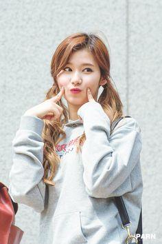 sana twice at DuckDuckGo Kpop Girl Groups, Korean Girl Groups, Kpop Girls, Nayeon, Sana Kpop, Cute Girls, Cool Girl, Sana Cute, J Pop