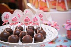 ericavighi fotografia: Aniversário da Amanda: Cupcake party!! Cupcake Party, Wedding Cupcakes, Cupcake Ideas, Sugar, Desserts, Parties, Party Ideas, Food, Milk Bath
