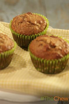 Banana, Date and Nut Muffins ... deliciaous &healthy ... Lisa Oz