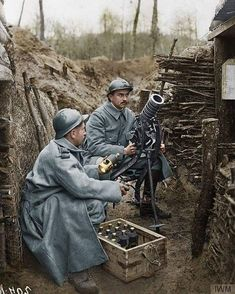 First World War French soldiers from the Infantry with a fusil Guidetti grenade launcher in a trench in Champagne, February Uniforms are definitely too grey in this colourization, but it is a neat picture overall - Yannick Oliveres Colorized History, Ww1 History, Women In History, Military History, British History, Ancient History, American History, World War One, First World
