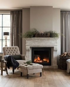 Small Apartment Living, Rustic Apartment, Home Living Room, Living Room Designs, Living Room Interior, Living Room Decor, Style At Home, Dorm Room Walls, Home Fireplace
