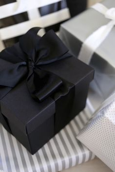 Homevialaura | Holiday season | Christmas presents | gift wrapping