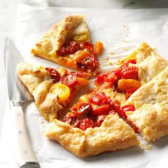 Heirloom Tomato Galette with Pecorino Recipe -I found beautiful heirloom tomatoes and had to show them off. In this easy galette, the tomatoes are tangy and the crust is beyond buttery. Tart Recipes, Cooking Recipes, Vegetarian Recipes, Grandma's Recipes, Recipies, Vegetarian Appetizers, Family Recipes, Appetizer Recipes, Dinner Recipes