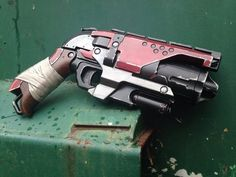 Custom painted Nerf Hammershot by ParadoxProps on Etsy Nerf Mod, Modified Nerf Guns, Nerf Storage, Cool Nerf Guns, Mandalorian Cosplay, Steampunk Weapons, Concept Weapons, Prop Design, Larp