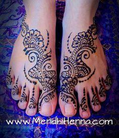 pretty feet mendhi!