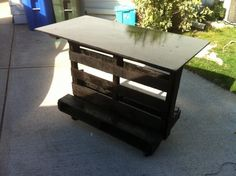 image 600x448 Kitchen island...VERY simple pallet workstation - 2 pallets + casters  a work surface