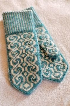 Ideas For Crochet Mittens Tricot Knitted Mittens Pattern, Crochet Mittens, Knitted Gloves, Knit Crochet, Fingerless Mittens, Crochet Granny, Knitting Charts, Knitting Socks, Baby Knitting