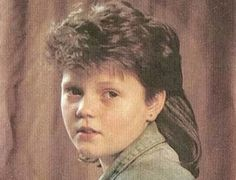 corte e penteado estilo pigmaleao/mullet / inicio dos anos 80