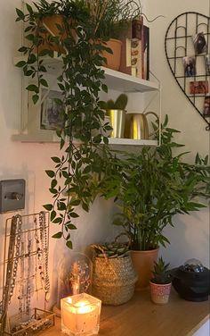 Room Design Bedroom, Room Ideas Bedroom, Bedroom Decor, Bedroom Inspo, Room With Plants, Indie Room, Cute Room Decor, Pretty Room, Aesthetic Room Decor