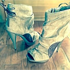 """Selling this """"Woman's peep-toe slouchy suede ankle boots SZ 9"""" in my Poshmark closet! My username is: boll69. #shopmycloset #poshmark #fashion #shopping #style #forsale #Michael Antonio #Shoes"""