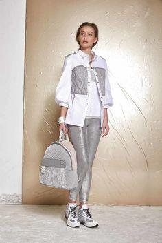womens fashion for summer casual Fashion Wear, Sport Fashion, Hijab Fashion, Girl Fashion, Fashion Outfits, Womens Fashion, Mode Outfits, Sport Outfits, Elisa Cavaletti