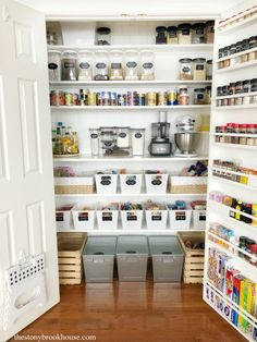 My Organized Pantry – Pantry Makeover Part 2 My Organized Pantry – Pantry Makeover Part 2 - Own Kitchen Pantry Kitchen Organization Pantry, Organization Hacks, Organized Pantry, Pantry Ideas, Kitchen Pantry, Organizing Tips, Pantry Door Storage, Pantry Storage Containers, Kitchen Redo