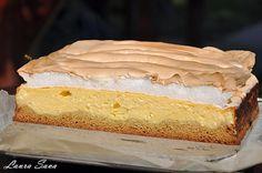 Dedic aceasta prajitura rapida cu branza dulce socrelei Nuti :P, caci de la ea o am.Dar si voua, bineinteles  E absolut delicioasa, deci trebuie neaparat s-o incercati!!! Ingrediente: Blat: – 100 g. unt – 50 g. zahar – 200 g. faina – 1 ou mare – 1/2 lingurita bicarbonat – 1/2 lingurita praf de …