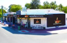 woollylatte's is a funky, cosy, friendly coffee shop and knitting boutique.
