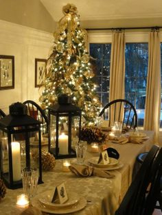 beautiful Thanksgiving, winter or Christmas tablescape Merry Little Christmas, Christmas Love, Beautiful Christmas, Winter Christmas, Celebrating Christmas, Elegant Christmas, Christmas Table Settings, Christmas Tablescapes, Holiday Tables