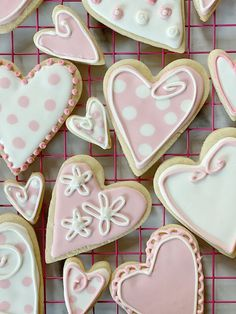 I Have Been teaching myself How to decorate Cookies with royal icing. It is so much easier Since I found the Royal Icing 101 Kit by Wilton. Heart Cookies, Iced Cookies, Sugar Cookies, Cookies Et Biscuits, Frosted Cookies, Gourmet Cookies, Baking Cookies, Valentines Day Cookies, Holiday Cookies