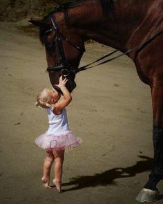 Baby & horse <3 <3