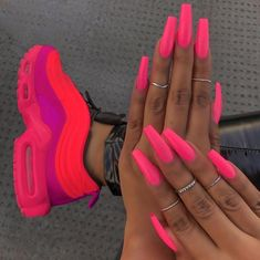 Feel chic on the beach and make waves wearing one of this sexy swimsuits. So, if you're looking to update your beach wardrobe, here are four celeb-approved labels to know about. Neon Acrylic Nails, Bright Summer Acrylic Nails, Bright Pink Nails, Pink Nail Art, Neon Nails, Acrylic Nail Designs, Summer Nails Neon, 3d Nails, Colourful Acrylic Nails