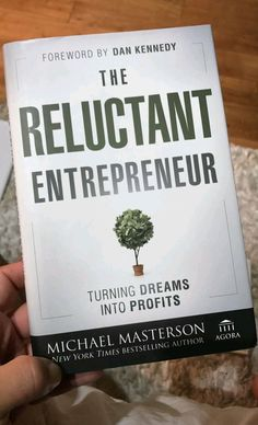 Check our board for a nice mix of motivational and business books to read! Best Books To Read, Good Books, My Books, Book Nerd, Book Club Books, Reading Lists, Book Lists, Self Development Books, Personal Development