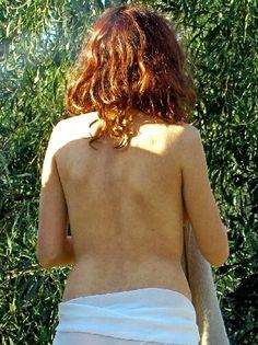 La sciatique : causes et solutions : Si vous avez mal dans le bas du dos et le haut de la cuisse, vous souffrez probablement d'une sciatique. Voici un petit guide pratique pour en reconnaître les symptômes et pour traiter ce problème.