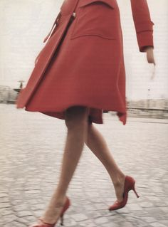 Stella Tennant by Walter Chin for Vogue Italia (August 1995) #red #coat #heels