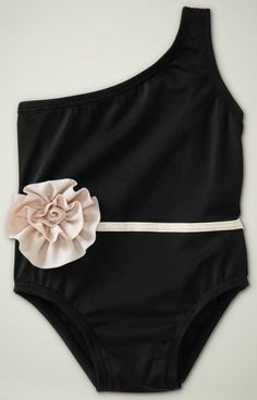 Love the one shoulder strap bathing suits for little girls :)