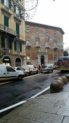 Via Roma e Palazzo della Prefettura di Genova