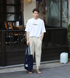 Korean Fashion – How to Dress up Korean Style – Designer Fashion Tips Mens Fashion, Fashion Outfits, Fashion Trends, Fashion Tips, Look Man, La Mode Masculine, Estilo Retro, Korean Street Fashion, Men Street