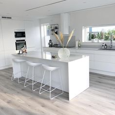 58 amazing kіtсhеn idеаѕ wіth the mоѕt affordable cоѕt 51 - Küche - Yorgo Angelopoulos Open Plan Kitchen Living Room, Kitchen Room Design, Modern Kitchen Design, Home Decor Kitchen, Kitchen Interior, Home Kitchens, Kitchen Ideas, Kitchen Designs, Diy Kitchen