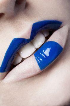 White and blue lips White Lips, Blue Lips, Lipstick Art, Lip Art, Makeup Art, Lip Makeup, Makeup Ideas, Glossy Lips, Beautiful Lips